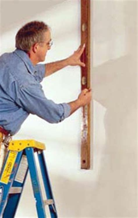 How To Use A Plumb Line When Wallpapering by Standard Smooth Wallpaper
