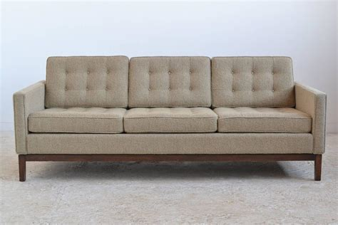 Florence Knoll Sofa Design Florence Knoll Style Sofa By Steelcase At 1stdibs