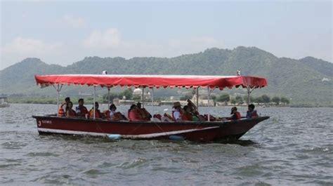 udaipur lake pichola sunset boat ride by bamba experience - Speed Boat Udaipur