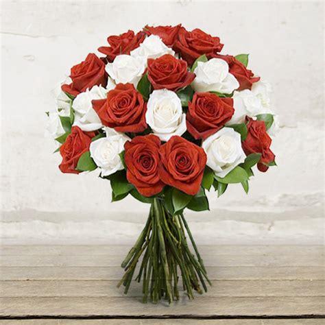 fiori a domicilio verona mazzo di rose bianche e rosse citt 224 dei fiori