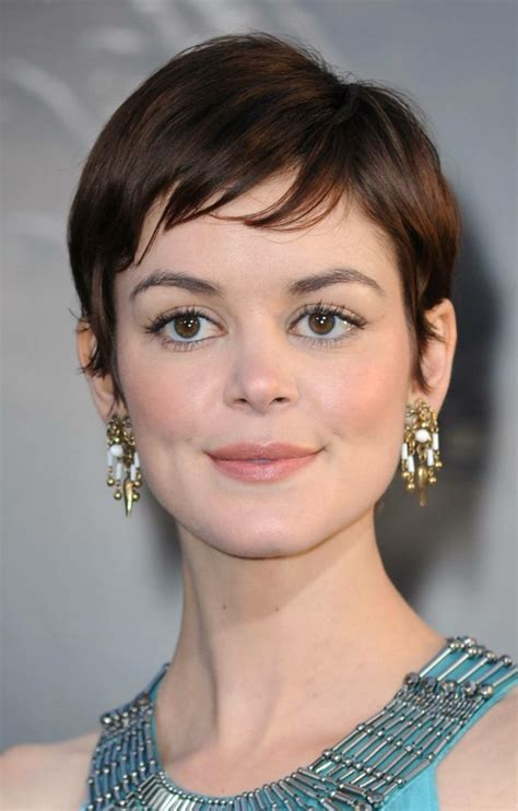 Pixie Cut Oblong Face | the pixie cuts for oval faces best medium hairstyle