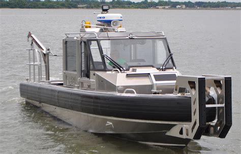 twin stern drive boat handling 29 defiant metal shark