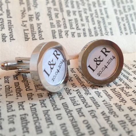 Wedding Gift Ideas For Groom by 8 Wedding Day Gift Ideas For Your Groom