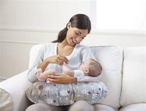 cuscino allattamento gemelli idea regalo per una mamma in gravidanza il cuscino boppy