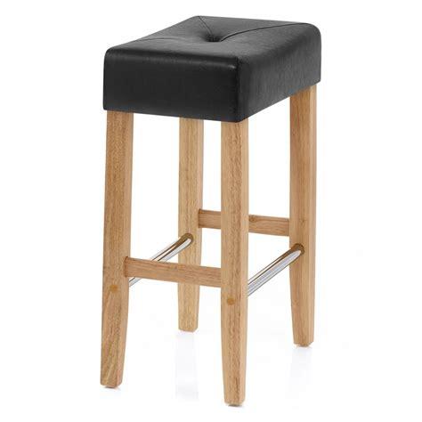 sgabelli da bar in legno sgabello da bar in ecopellle e legno otis