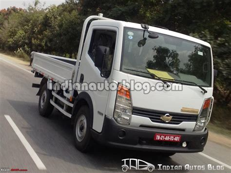 nissan commercial van scoop nissan commercial vehicle spotted testing edit