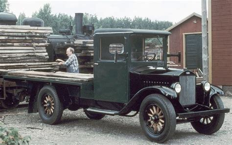 80 Year Old Series 1 Volvo Truck Still Has It Photo