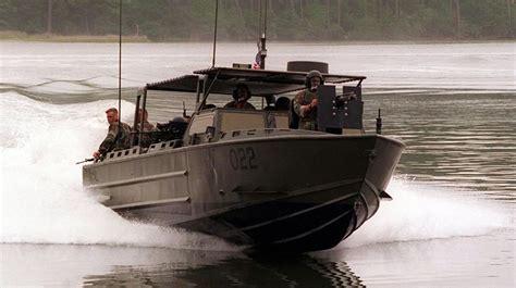 riverine boats 11 meter riverine assault craft rac swiftships