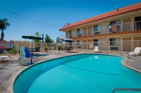 cheap hotel rooms in bakersfield ca vagabond inn bakersfield south in bakersfield cheap hotel deals rates hotel reviews on