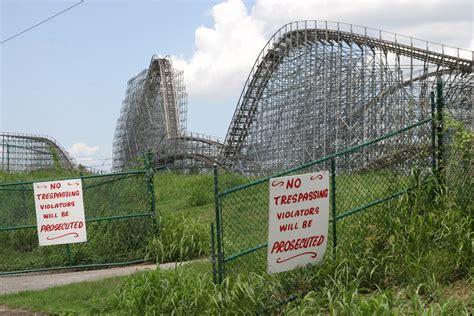 theme park usa 20 haunting images of creepy abandoned amusement parks