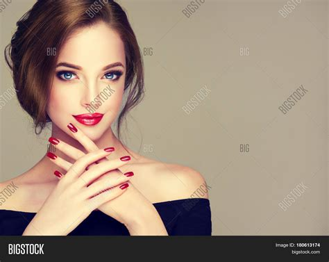 beautiful model with elegant hairstyle stock photo bild und foto beautiful model girl elegant bigstock