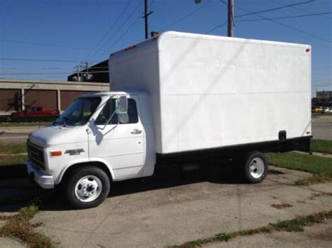 purchase used 1993 chevy g30 14 ft box truck in rockford