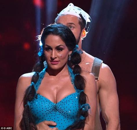 nikki bella necklace dancing with the stars vanessa lachey and nikki bella out