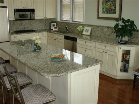 Subway Tile Kitchen Backsplashes Granite Backsplashes Here S A Light Colored Granite Back