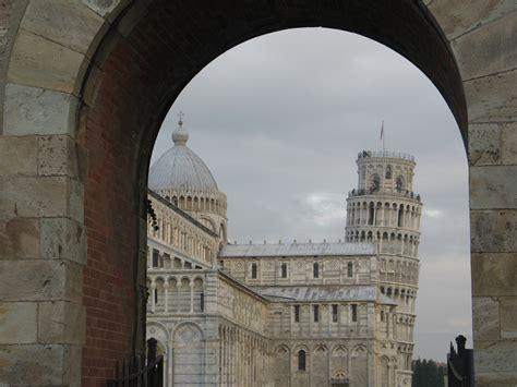 torre di pisa ingresso la costruzione della torre di pisa festival medioevo