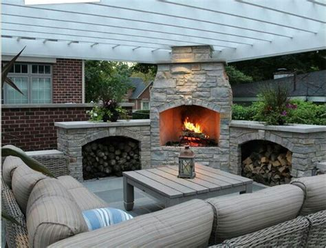 small backyard fireplace 25 best ideas about entertainment area on pinterest