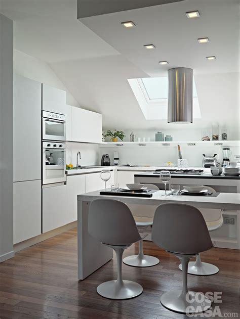 foto gambe aperte sotto il tavolo pi 249 di 25 fantastiche idee su arredo interni cucina su