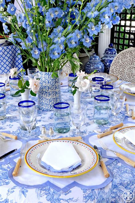 Loza Cardy Blue Silver By Supernova House s day tablescapes the everyday hostess