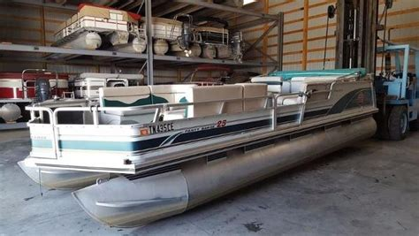 tracker boats for sale in tennessee tracker party barge boats for sale in tennessee