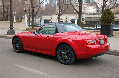 mazda debuts 2012 mx 5 special edition at chicago auto show