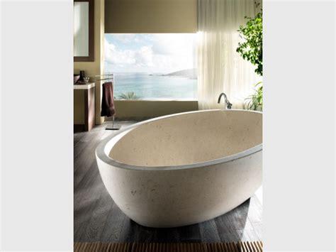 le marbre fait come back dans les salles de bains