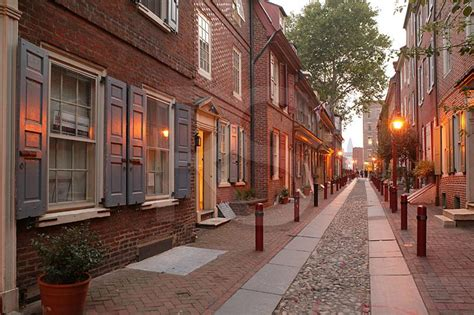 oldest in philly elfreth s alley at twilight 1