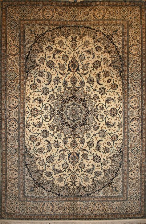 Large Persian Hand Knotted Nain Rug In Wool Silk Ref Nain Rug