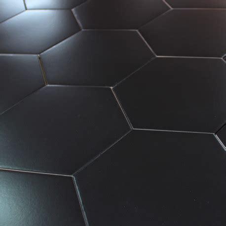 carrelage hexagonal noir sol et mur parquet carrelage