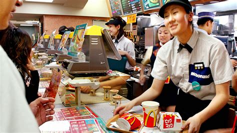 fast in japanese mcdonald s japan halts chinese supplies after rotten meat