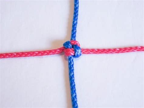 Craft Knots - how to tie a square knot friendship knot