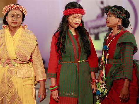 fashion design university of bangladesh bangladeshi fashion show sees acid attack victims take to