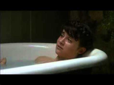 emma watson bathtub scene emma watson naked in bath scene youtube