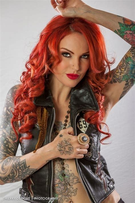 tattoo girl rock rock chick tattooed women pinterest