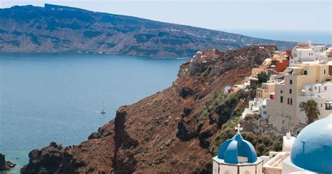 best places to stay santorini what is the best place to stay in santorini