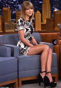 Wedding Shoes Keds Taylor Swift Ramps Up The Glamour After Nerd Makeover For Jimmy Fallon Skit Daily Mail Online