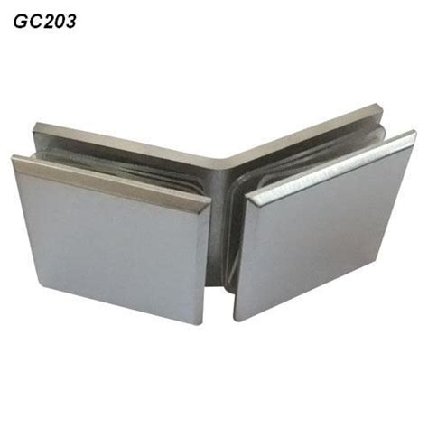 China 135 Degree Double Clips For Glass Curtain Wall Gc