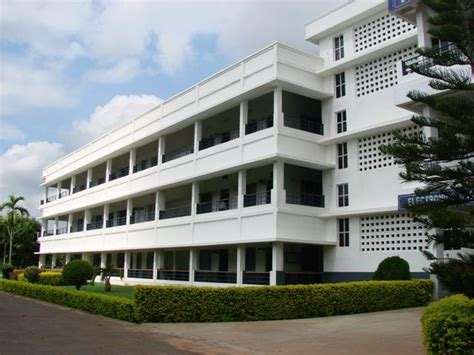 Ifet College Of Engineering Mba Fees Structure by Fee Structure Of Lakireddy Bali Reddy College Of