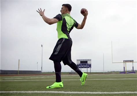 nike new football shoes 2014 johnny manziel on nike s flyknit football cleat