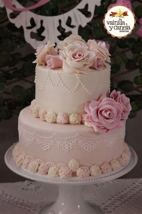torta con flores de buttercream tortas tortas con flores tortilla y flores torta rosas vintage vainilla y canela reposter 237 a bogot 225 tor