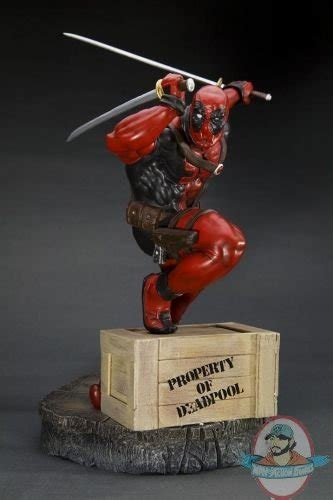 Istimewa Dompet Marvel Deadpool Model 3 Import marvel comics presents kotobukiya collection deadpool statue of figures