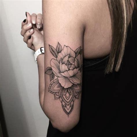 unique tattoo placement pinterest ideas de tatuajes femeninos con mandalas