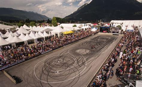 Bmw Motorrad Days Garmisch Partenkirchen by Bmw Motorrad Days In Garmisch Partenkirchen Rufen Fans