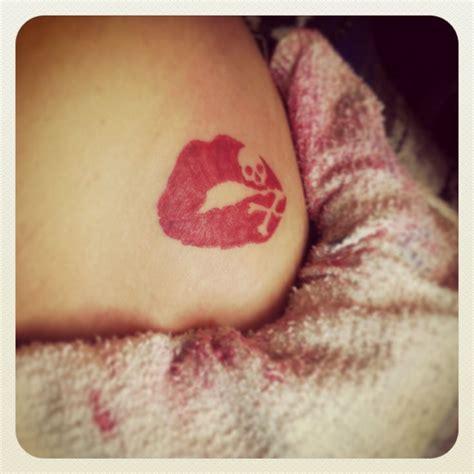 lip print tattoos best 25 lip print tattoos ideas on lip