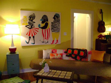 how should i decorate my living room why should i paint my living room yellow