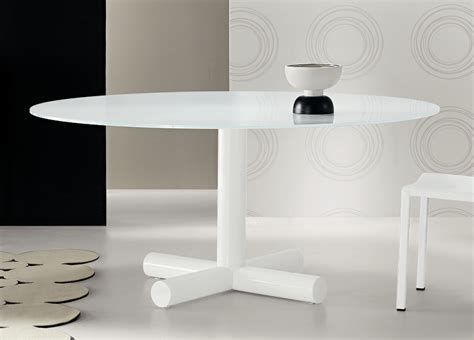 Surfer Round Dining Table   Contemporary Round Dining Tables   Bonaldo