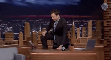 Jimmy Fallon S Tearful Tribute To Robin Williams Will Give Dead Poets Society Standing On Desks