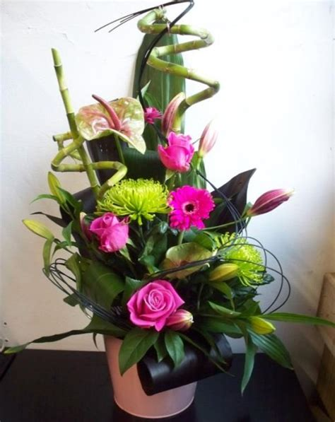 Modern Flower Arrangements In Vase by Modern Flower Arrangement Delivered By Townend Florist In Sheffield