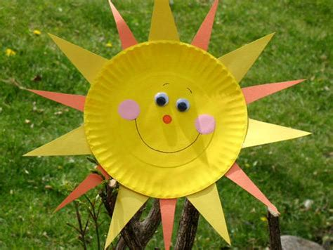 Summer Construction Paper Crafts - paper plate sun just screams summer can