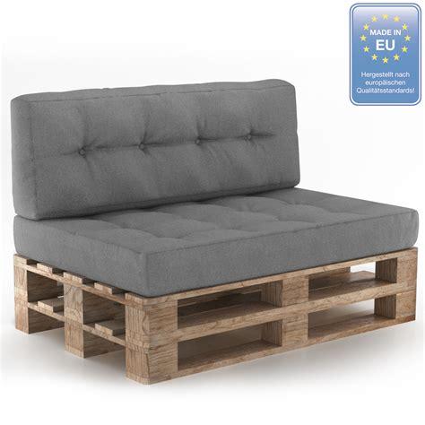divani con cuscini cuscini pallet divani con pallet cuscini imbottitura