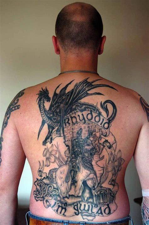 tattoo menai look patriotic welshman has giant tattoo of owain glyndwr